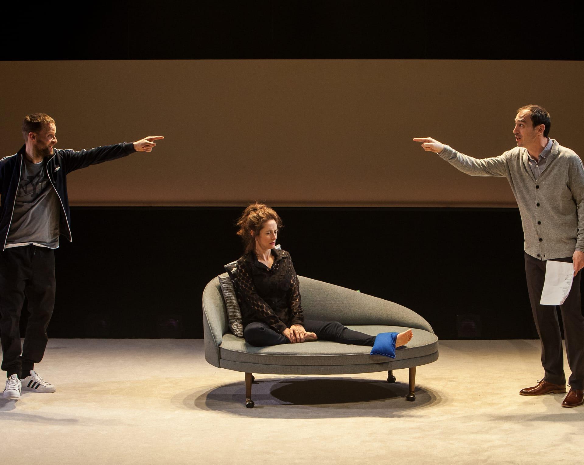 Le Théâtre Catfight, Baby Sitter, comédie