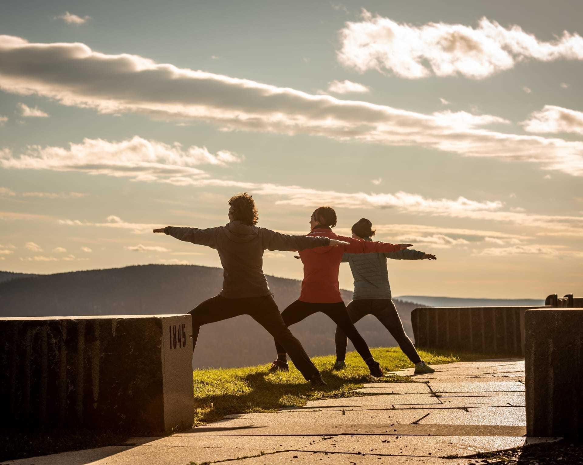 Lydiane autour du monde - Yoga à la Maison du Granit